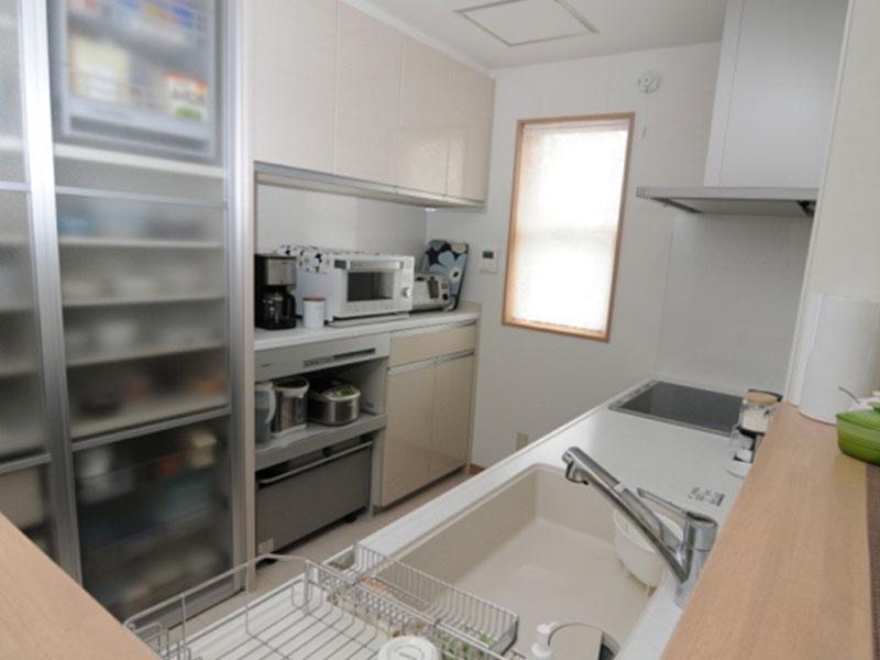 「収納たっぷりの対面キッチン」と<br>「無垢材を使ったナチュラルリビング」<br>奥様の夢が形になりました。|大崎市|