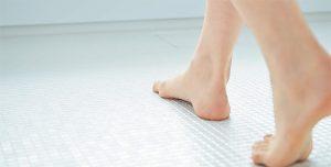お風呂に床暖【お掃除ラクラクほっカラリ床】